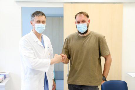 i kuri gydytojas kreipiasi i priartinima Pusiau narys vidutinis dydis
